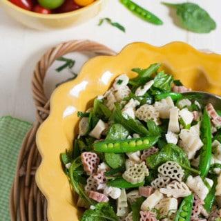 Arugula Spinach and Mozzarella Pasta | WorldofPastabilities.com