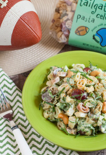 Florentine Pasta Salad with Red Grapes and Cashews