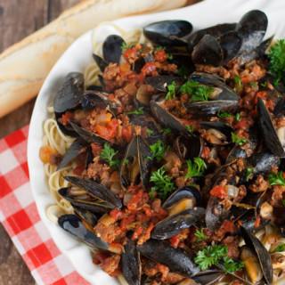 Linguine with Mussels and Chorizo | WorldofPastabilities.com