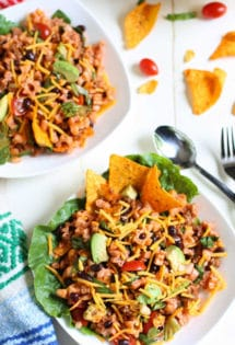 Mexican Chef Pasta Salad | Cha Cha Cha! Easy delish combo of sweet and tangy dressing with seasoned taco meat and fresh tomatoes, avocados and pasta. Add Doritos or corn chips - and the entire family goes crazy! A one pot yummy meal. Perfect for summer or beachside! | WorldofPastabilities.com