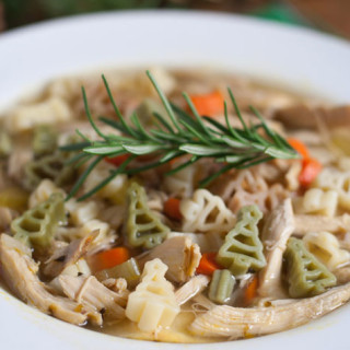 Quick Holiday Chicken Noodle Soup | WorldofPastabilities.com