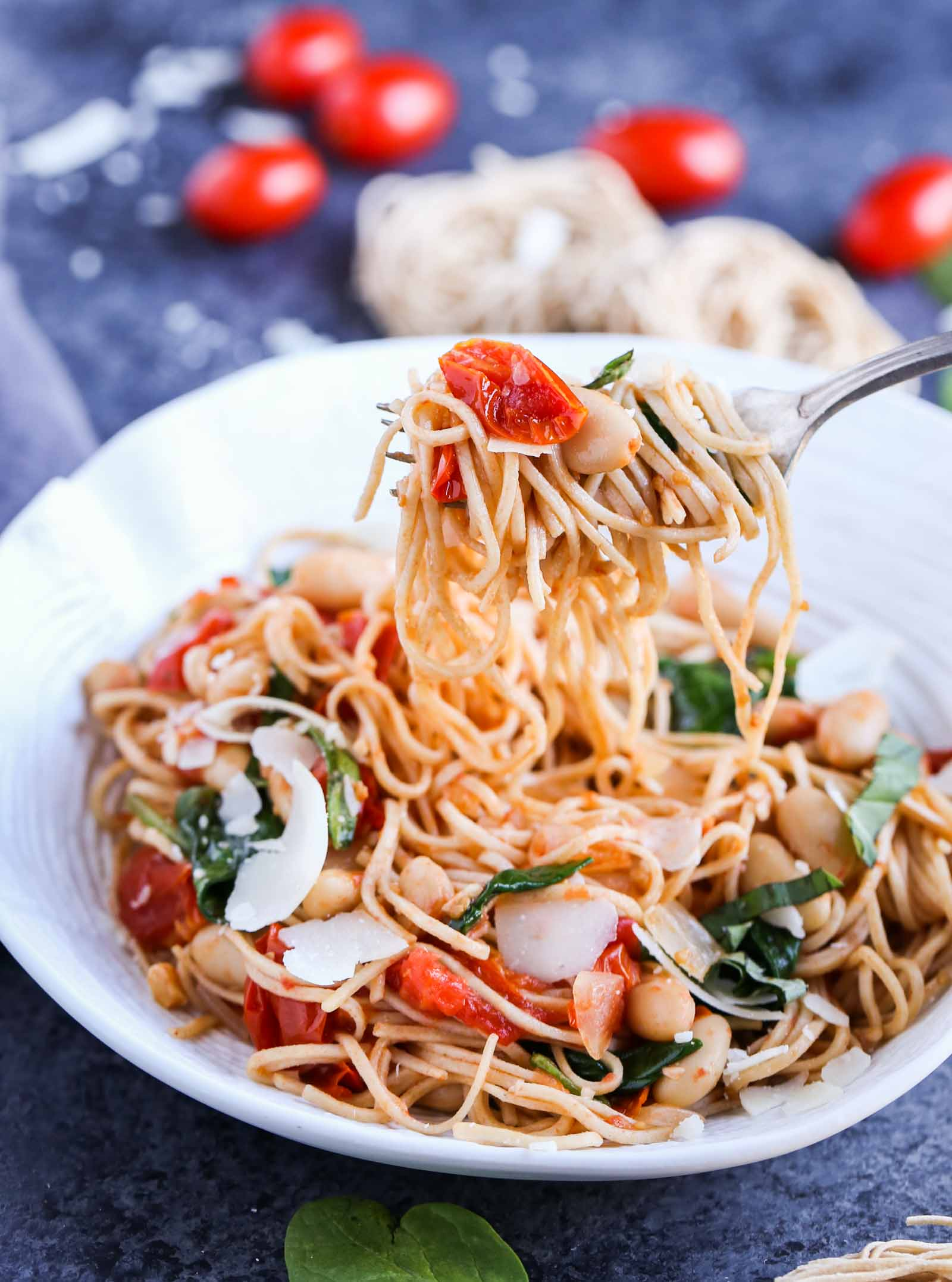 Roasted Tomato, White Beans, and Spinach with Whole Wheat Pasta | Healthy and Delicious and packed with lots of flavors! | World of Pastabilities
