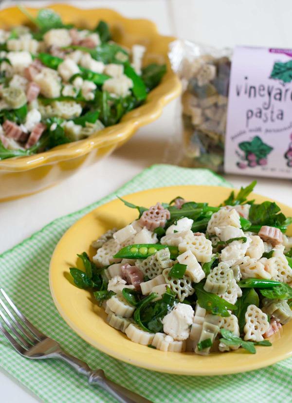 Arugula Spinach and Mozzarella Pasta Salad | WorldofPastabilities.com