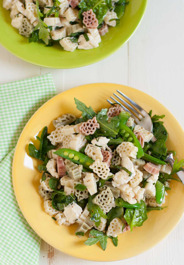 Arugula Spinach and Mozzarella Pasta |WorldofPastabilities.com