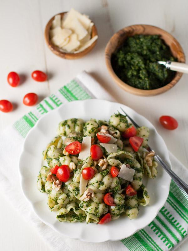 Kale and Walnut Pesto | WorldofPastabilities.com