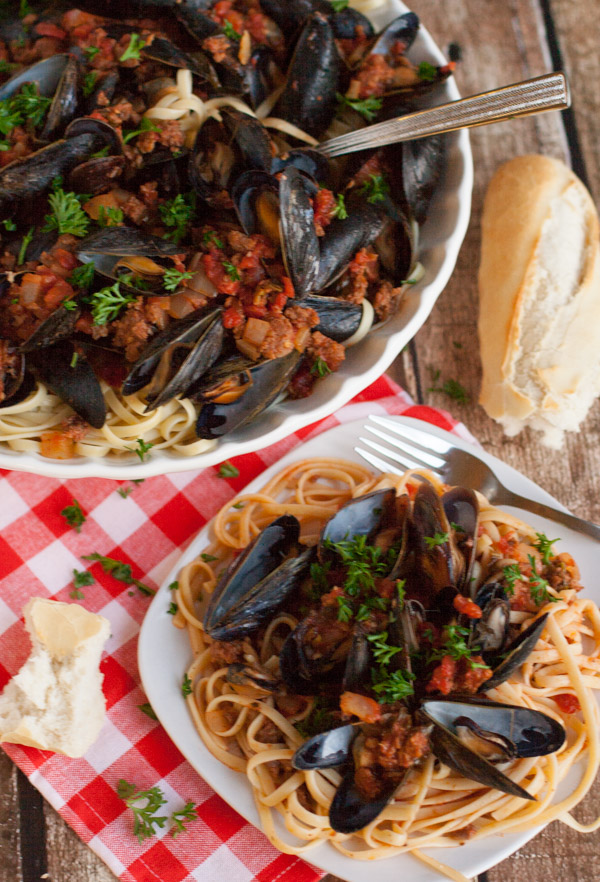 Linguine with Mussels and Chorizo – yum! Enjoy the sauce with clams ...