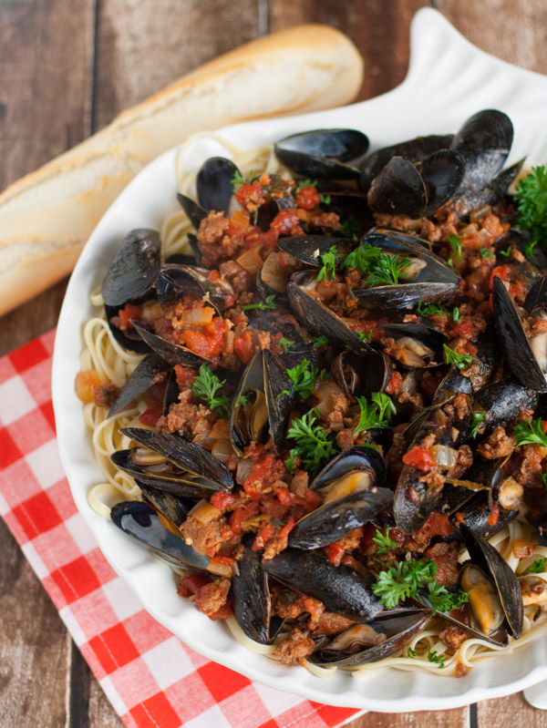 Linguine with Mussels and Chorizo | WorldofPastabilities.com